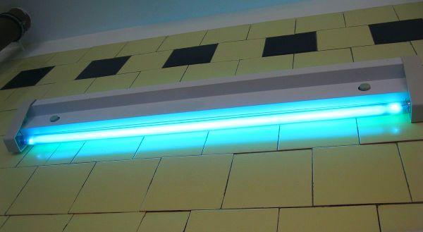 Настенная бактерицидная лампа