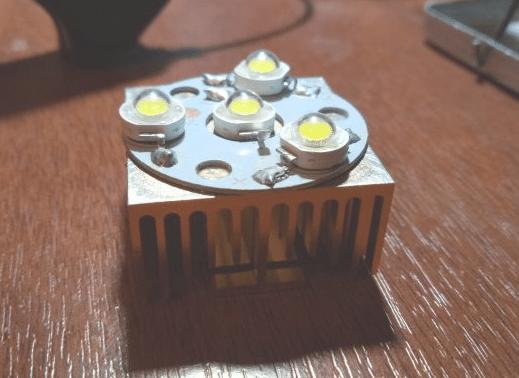 Светодиоды на радиаторе