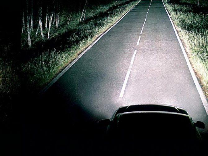 Четкий свет автоламп