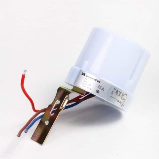 фотореле со встроенным датчиком света