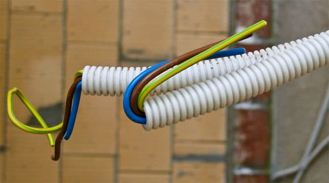 Проводка, гофрированный рукав