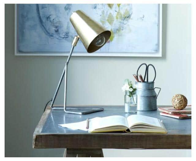 Как выбрать настольный светильник для рабочего стола