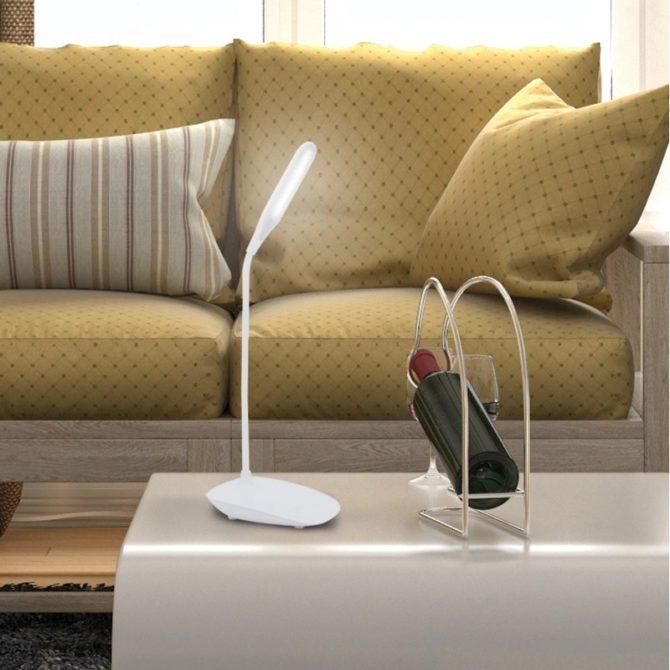Выбираем настольную лампу на аккумуляторе с зарядкой для телефона