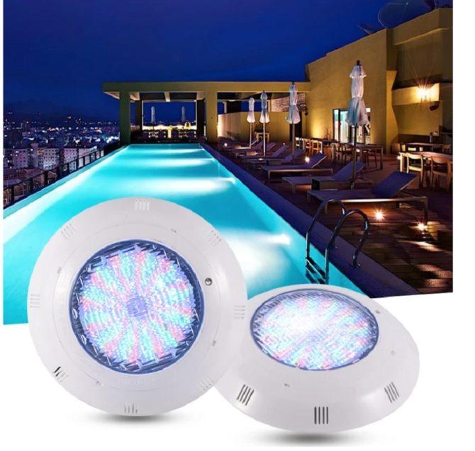 Какой прожектор выбрать для бассейна