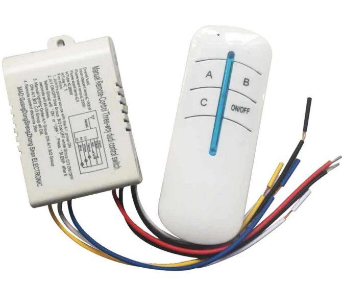трехканальный выключатель с пультом