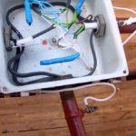 Как проложить электропроводку в деревянном доме