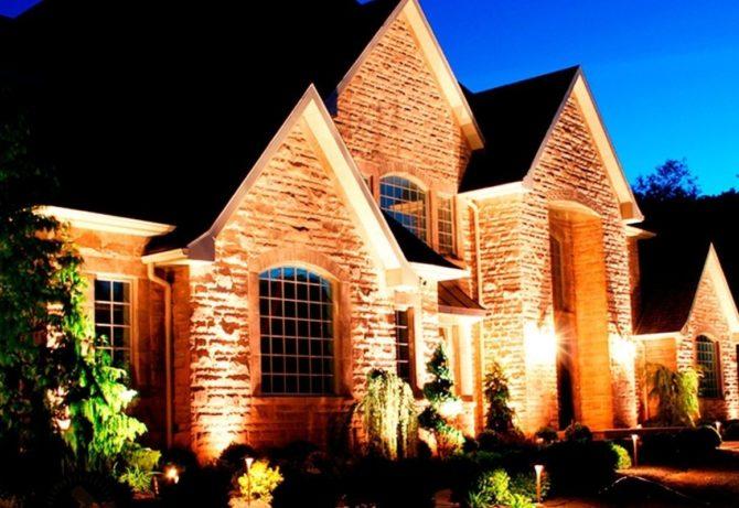Виды внешнего освещения загородного дома
